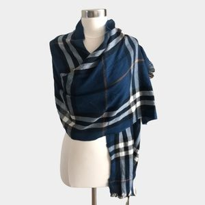 Burberry Giant Check Cashmere wool Scarf
